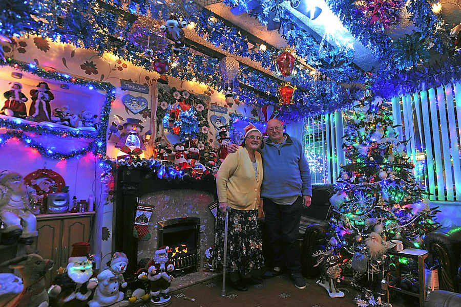 is willenhall grotto the best christmas house ever express star - Best Christmas Decorated Houses