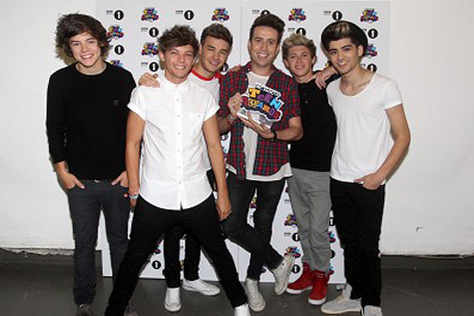 One Direction to headline Radio 1's Teen Awards | Express & Star