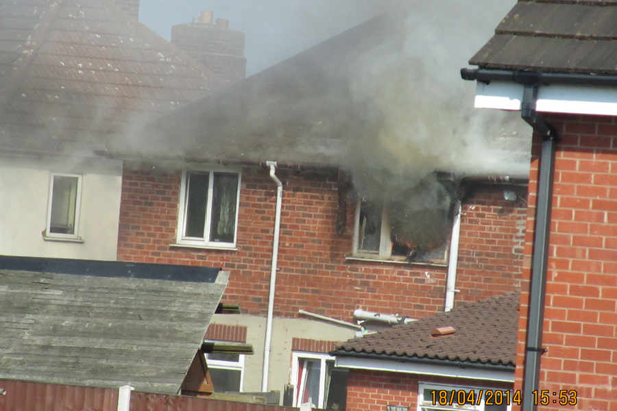 Blaze At Brownhills Home Sparked By Fairy Lights Express Star - Star fairy lights for bedroom